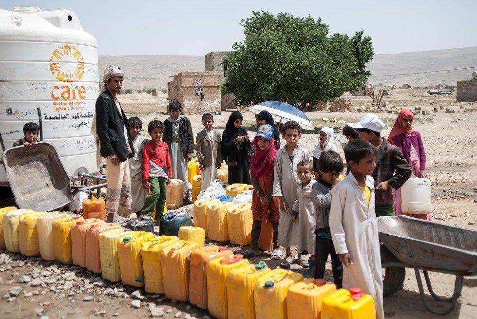 CARE water distribution in Yemen.