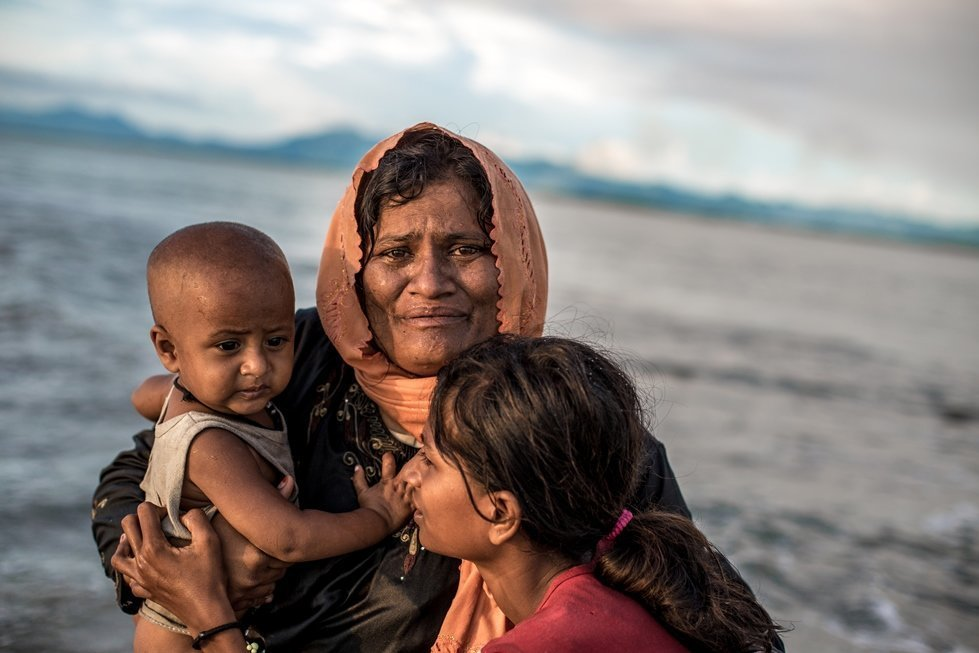 Refugees from Myanmar entering Bangladesh in 2017