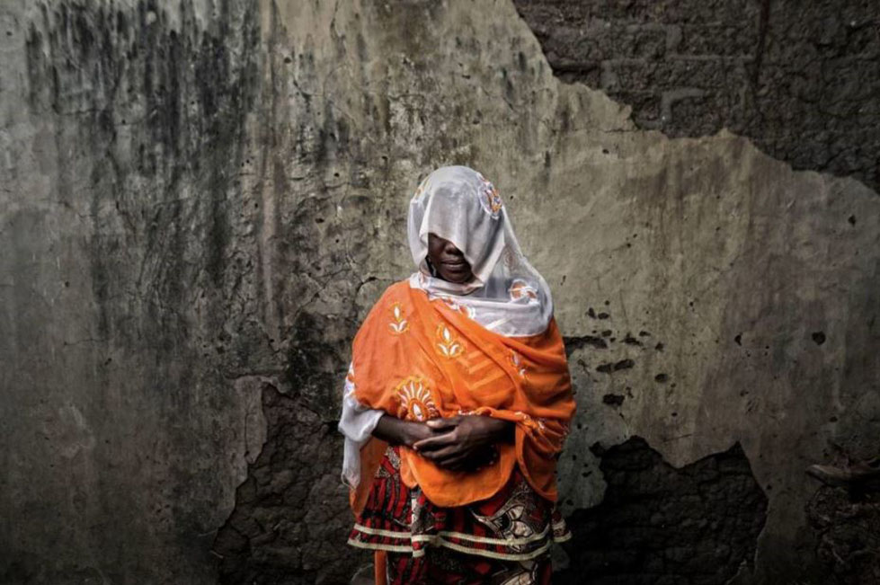 An anonymous woman in Nigeria by Josh Estey/CARE