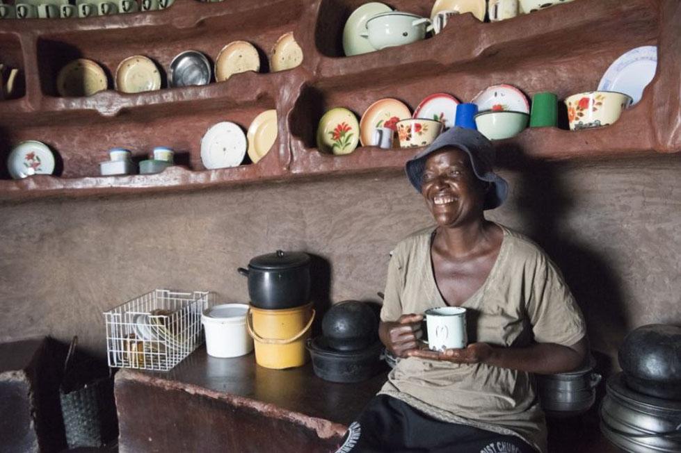 Ndakaitei in her home in Zimbabwe by Alana Holmberg/CARE