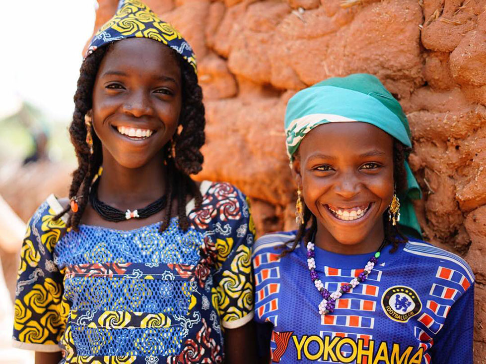 Zoula and Maou are sisters from Niger. They can't wait to go back to school.
