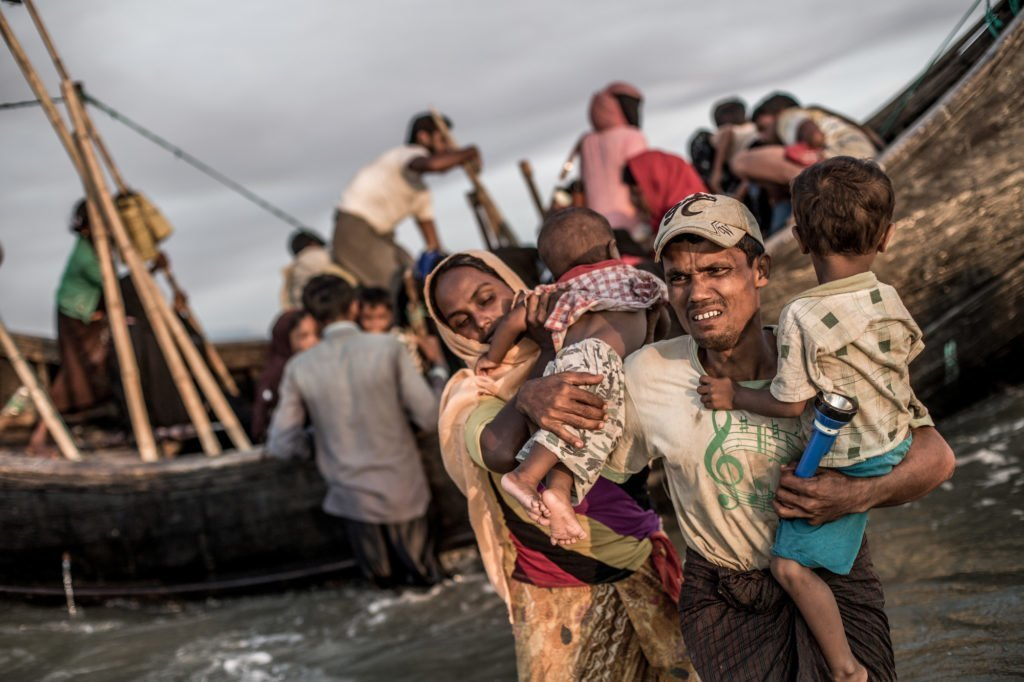 Refugees from Myanmar arriving in Bangladesh