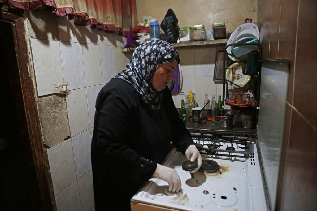 Fatima, 46 years old, is a mother of five. She lives in a very modest apartment in the conflict-affected Tripoli neighborhood of Bab al-Tabbaneh.