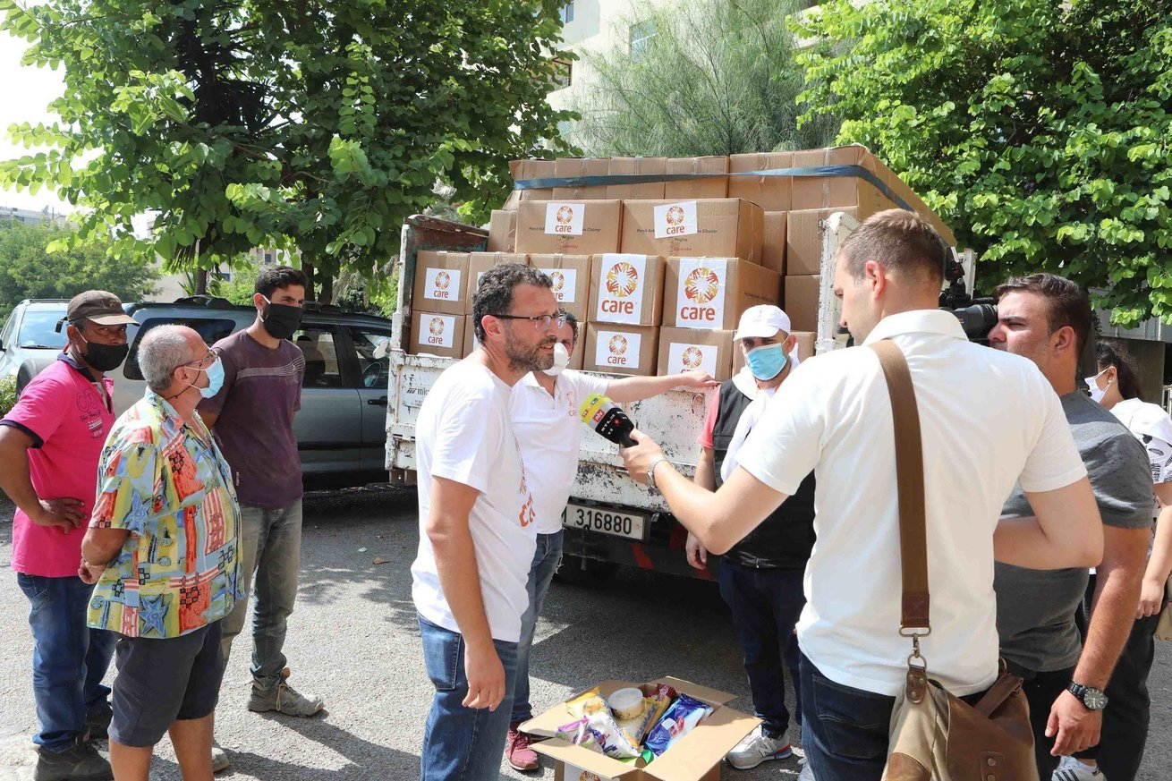 CARE Lebanon is beginning its distribution of food parcels through three local NGOs in in Achrafieh district Beirut after the bomb blasts on 4th August. these photos showing the handing over of food parcels to local partner Rifaq el-Darb, through who 450 parcels would be distributed on 8th August 2020.