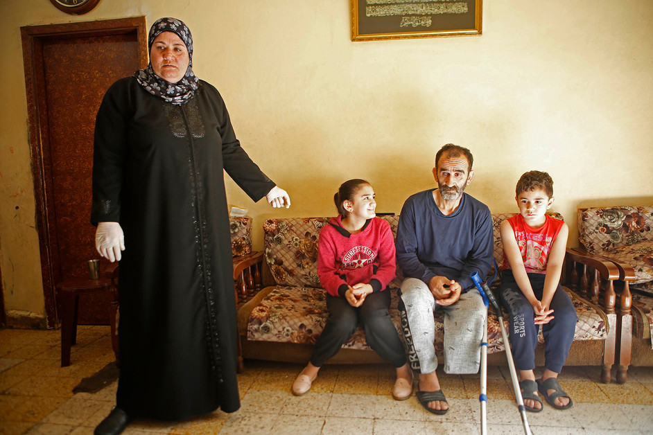Fatima, 46 years old, is a mother of five. She lives in a very modest apartment in the conflict-affected Tripoli neighborhood of Bab al-Tabbaneh. Her husband, Abdel Kader, 55 years old, lost his leg three weeks ago.