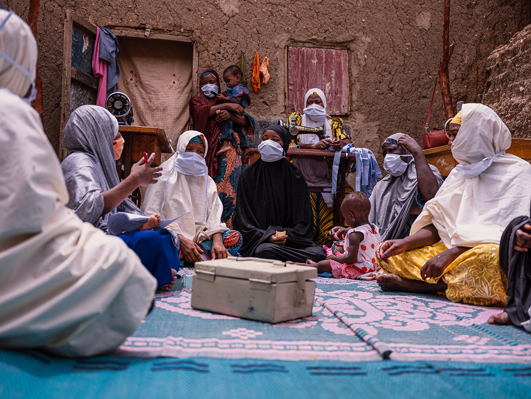 Savings group Kyauta Mata in Niger. They were able to obtain funding to set up a small business for making masks. Ollivier Girard/CARE