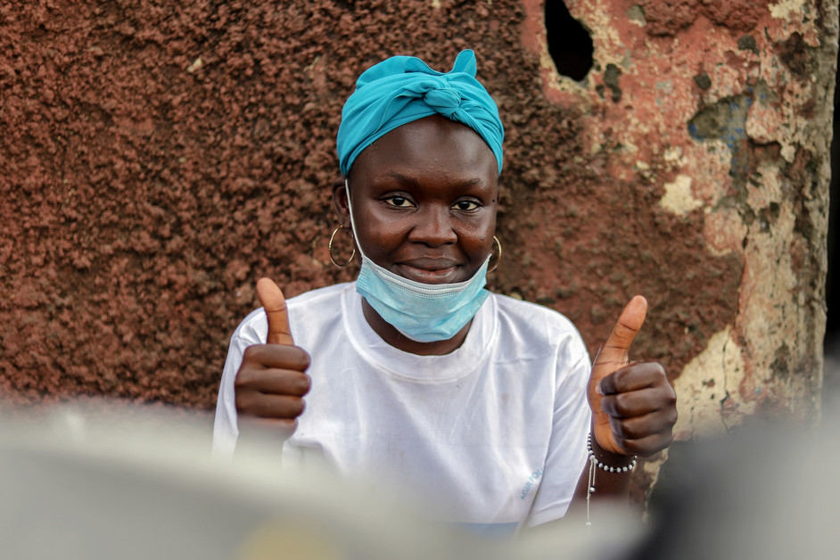 Farida Dagnogo is a member of a CARE-supported savings group in Côte d'Ivoire, which she joined just before the pandemic was declared. Her goal is to enroll in training to learn sewing to become a seamstress. Farida hopes that this pandemic will stop so that her current restoration business will prosper more in order to save enough money for her training. Photo: Nadi Jessica/CARE