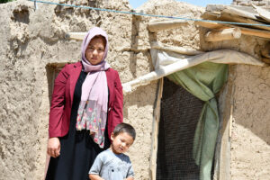 Zainab lives with her son in a camp for internally displaced people in Afghanistan. Photo: CARE